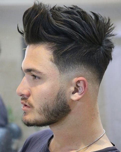 Corte de cabello: Low Fade Con Brush Up Top