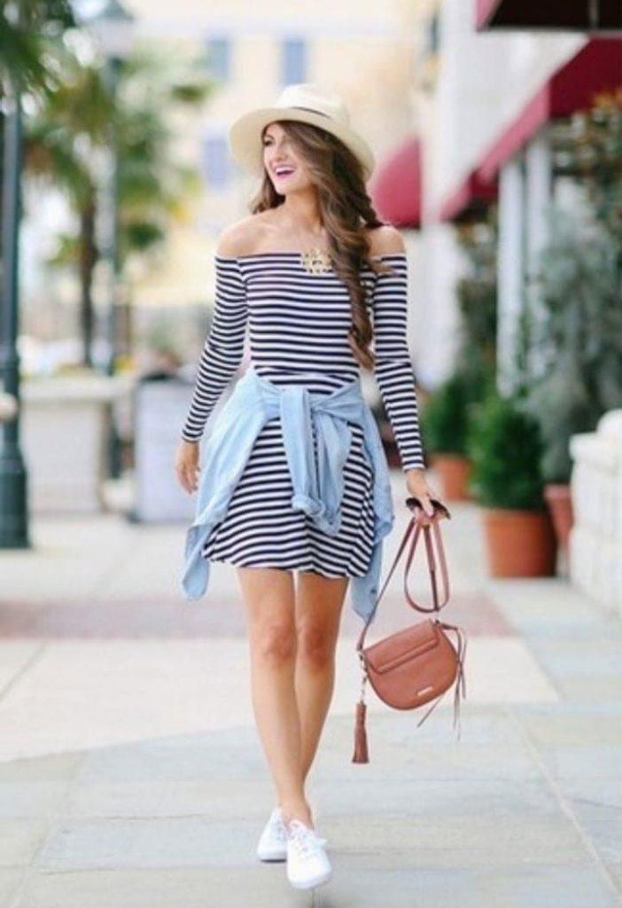 outfit con tenis blancos y vestido